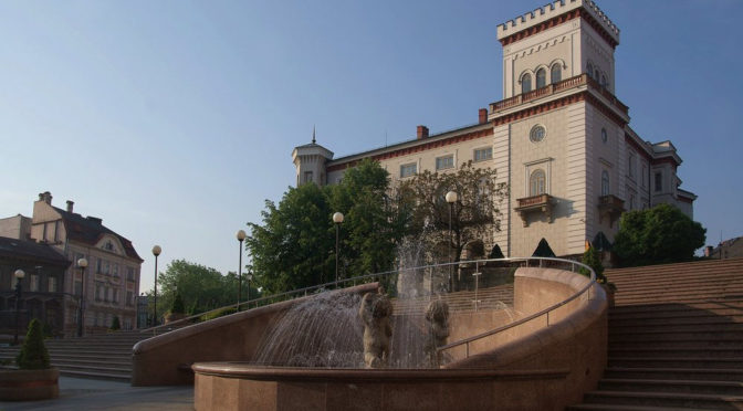Zamek Sułkowskich i okolice