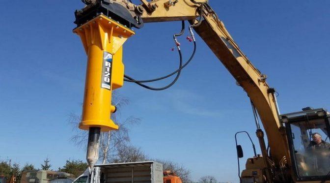 Hydrauliczny młot do koparki dla firmy budowlanej